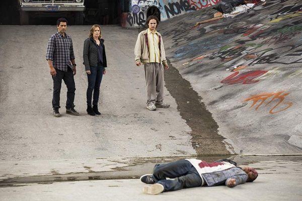 fear-the-walking-dead-season-1