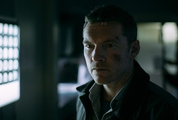 fractured-sam-worthington