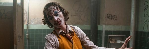 joker-joaquin-phoenix-bathroom