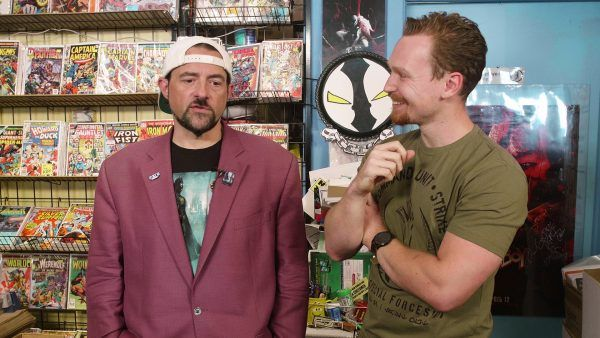 kevin-smith-comic-book-shopping-2