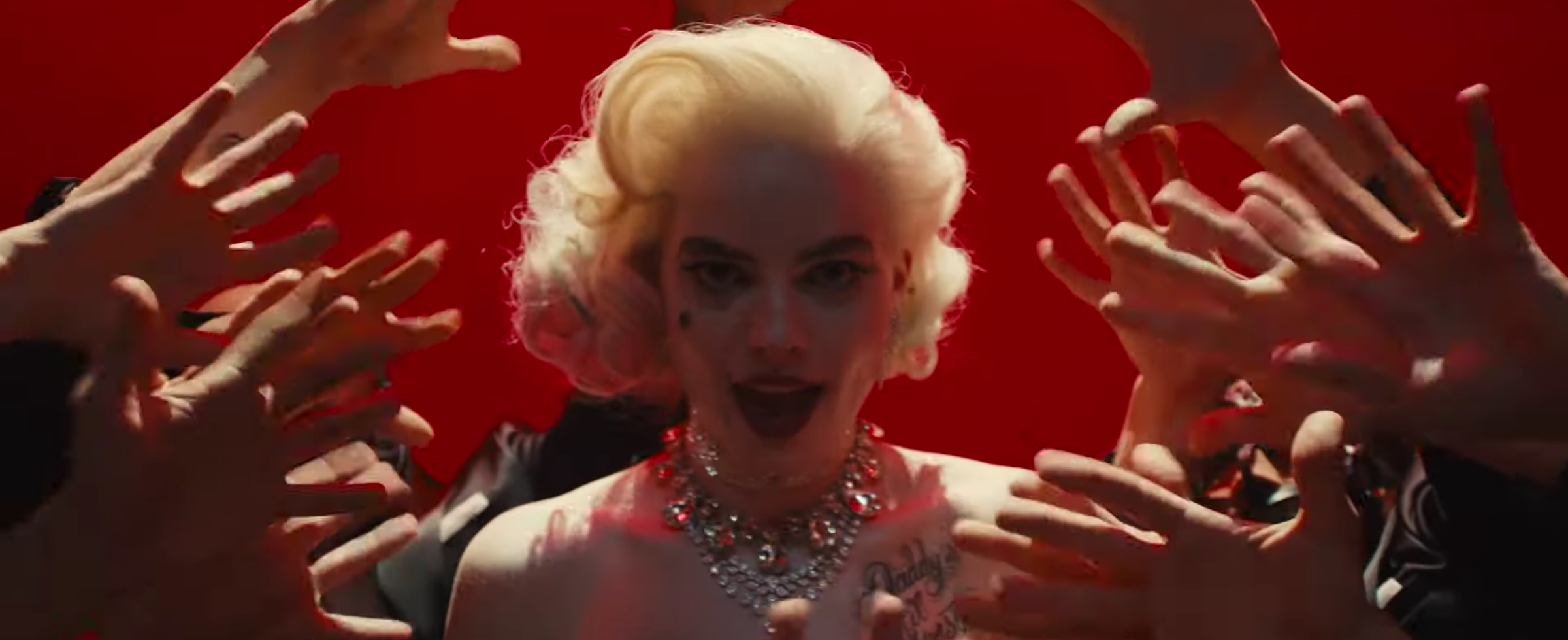 Birds Of Prey Footage Reveals A Bonkers Harley Quinn Adventure Collider