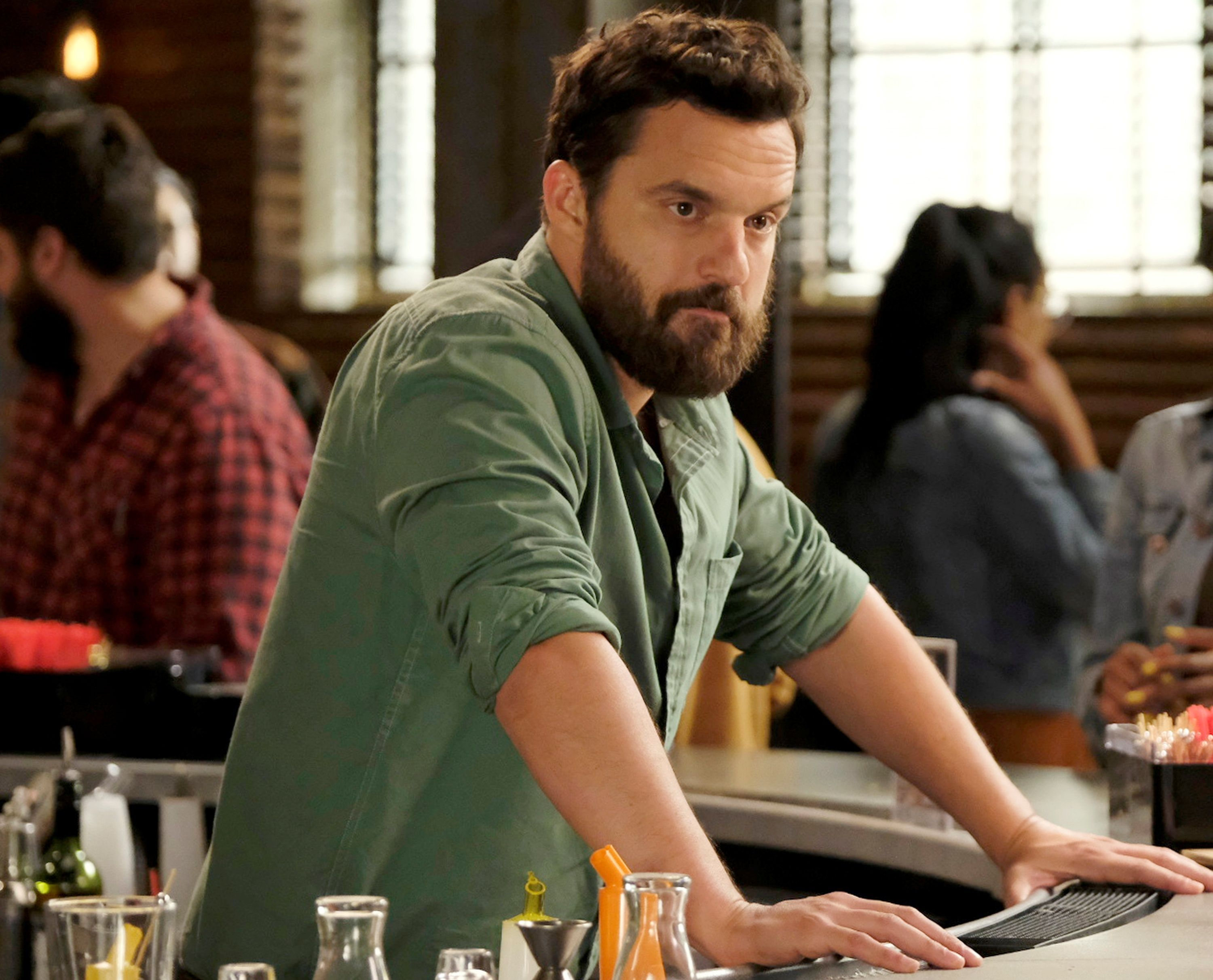 Jake Johnson On Abc S Stumptown And Spider Man Spider Verse Sequels Collider