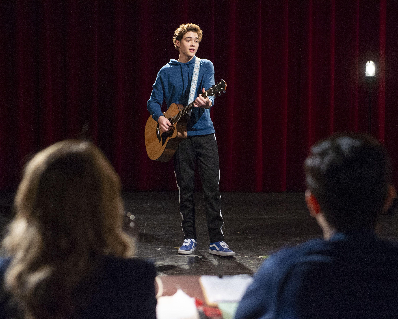 high-school-musical-series-joshua-bassett
