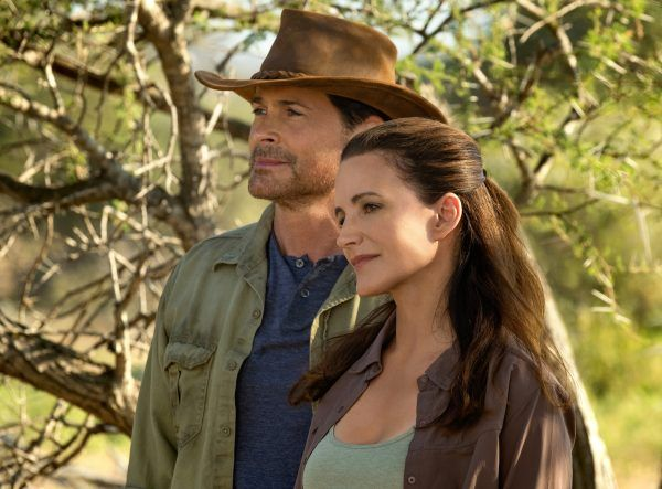 Rob Lowe and Kristin Davis on the Netflix Christmas Movie 'Holiday in the Wild'