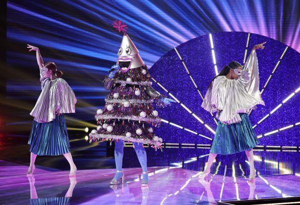 masked-singer-tree-performance