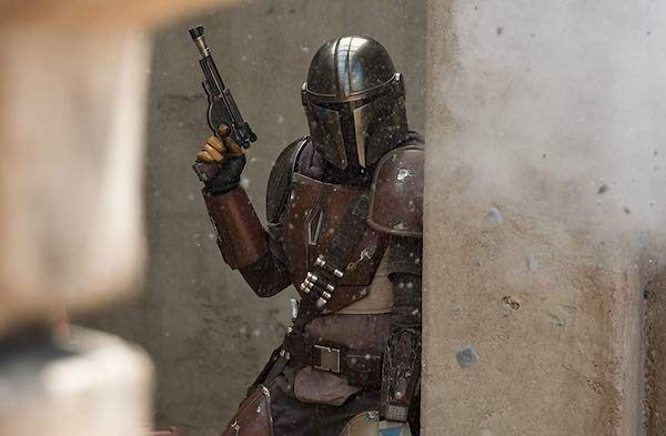the-mandalorian-bounty-hunter-pedro-pascal
