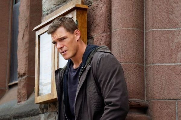 titans-season-1-hawk-alan-ritchson