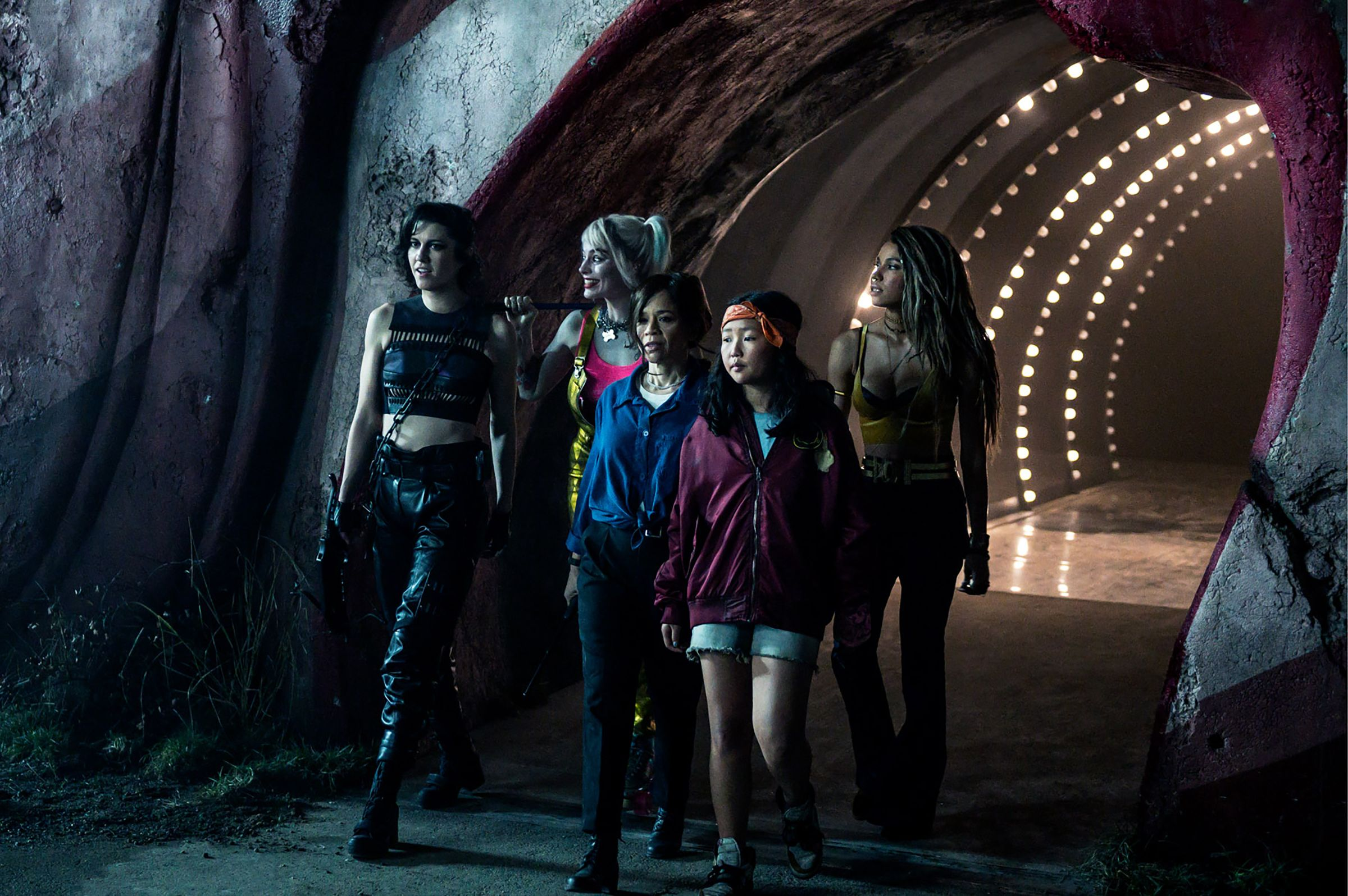 Birds Of Prey Review Trying To Fly In Too Many Directions Collider