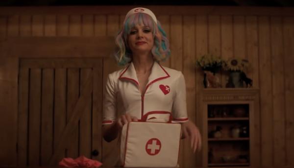 carey-mulligan-promising-young-woman-nurse