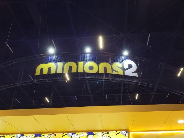 minions-2-booth-ccxp-sign