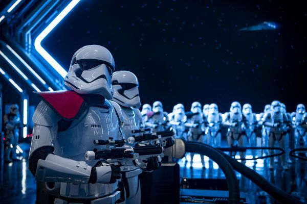 star-wars-rise-of-the-resistance-ride-image-stormtroopers