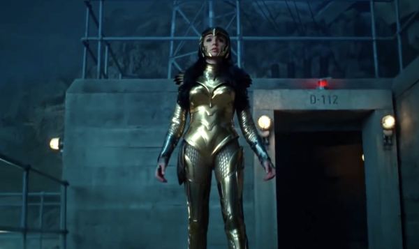 wonder-woman-gal-gadot-gold-armor