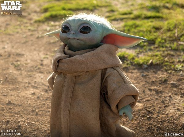 baby-yoda-sideshow-collectibles