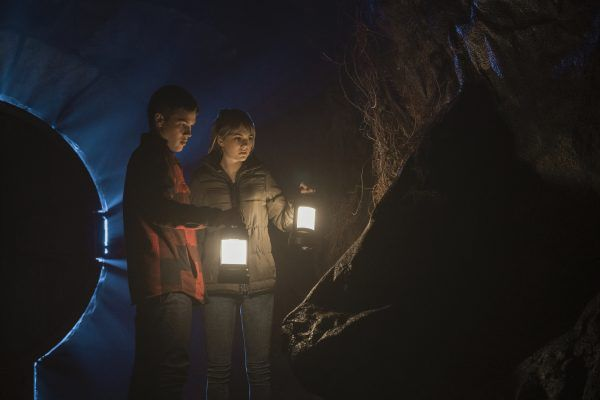 Connor Jessup as Ben Locke and Emilia Jones as Kinsey Locke.