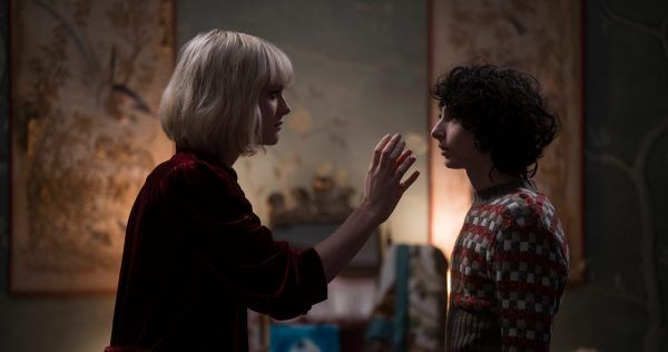 mackenzie-davis-finn-wolfhard-the-turning