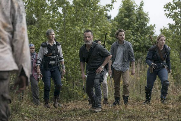 walking-dead-rick-grimes-andrew-lincoln-group