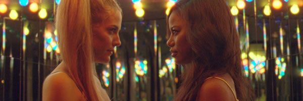 zola-riley-keough-taylour-paige-slice
