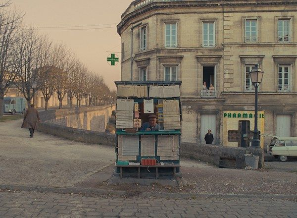 the-french-dispatch-kiosk-french-town