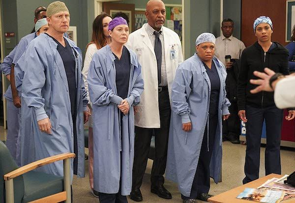 greys-anatomy-ellen-pompeo-season-16-cast-abc