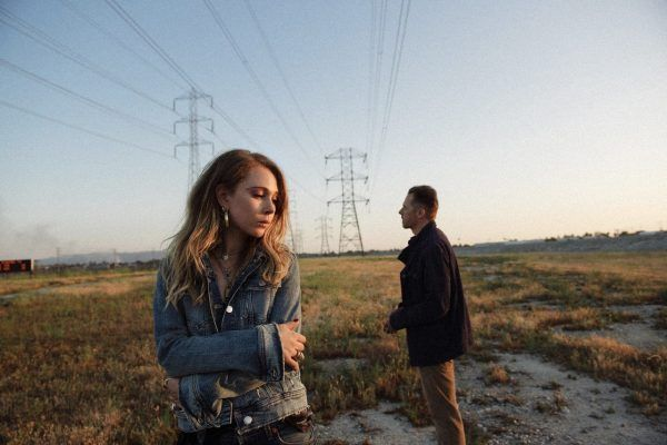 lost-transmissions-simon-pegg-juno-temple-powerlines