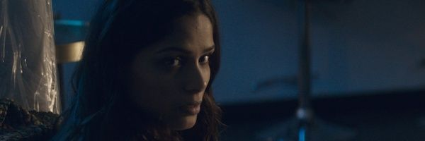 only-freida-pinto-01-slice