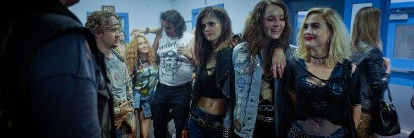 we-summon-the-darkness-review-alexandra-daddario