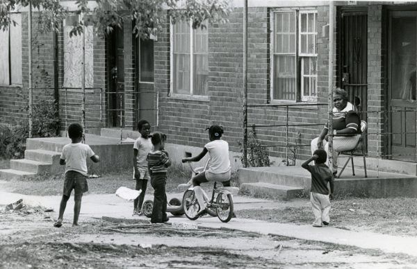atlantas-missing-and-murdered-images-children-playing-outside-capitol-homes-housing-project