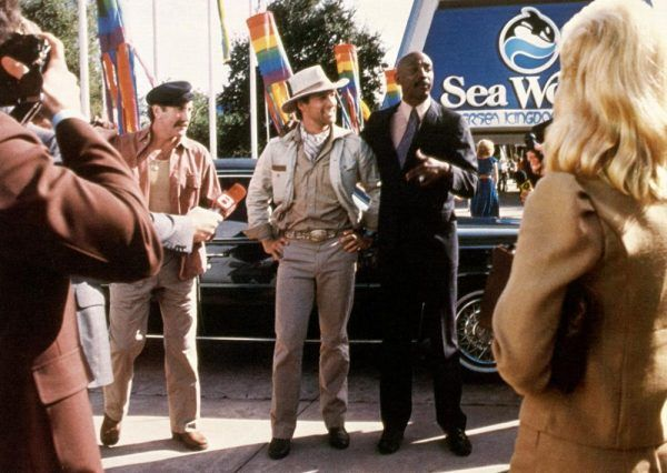 jaws-3d-louis-gossett-jr-simon-maccorkindale