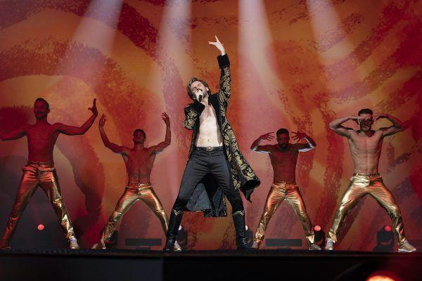 eurovision-dan-stevens