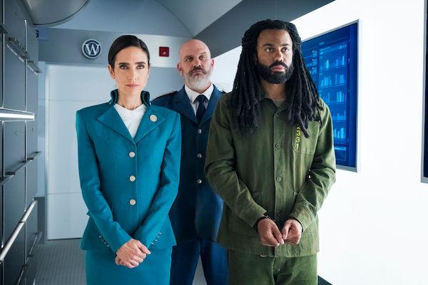 snowpiercer-tnt-jennifer-connelly-daveed-diggs-handcuffs