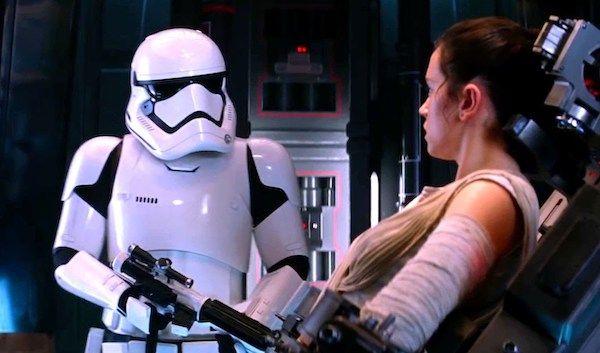 star-wars-the-force-awakens-rey-stormtrooper