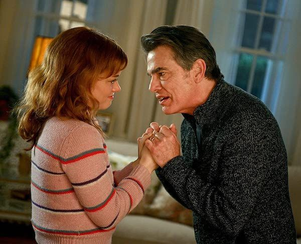 zoeys-extraordinary-playlist-jane-levy-peter-gallagher-hand-hold