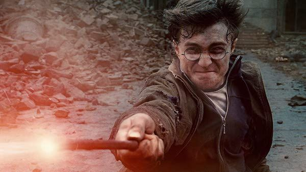 harry-potter-deathly-hallows-daniel-radcliffe-wand
