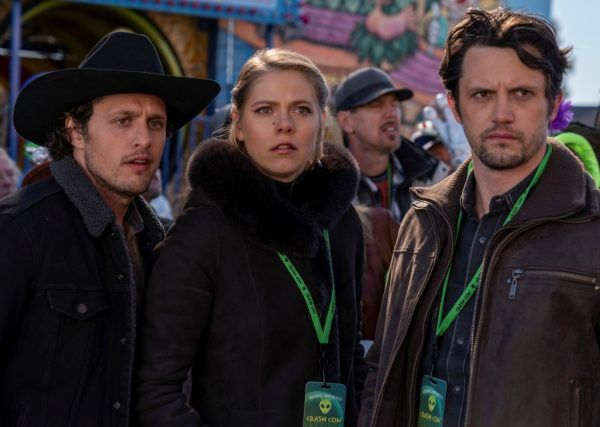 roswell-new-mexico-season-3-nathan-parsons-michael-vlamis-lily-cowles
