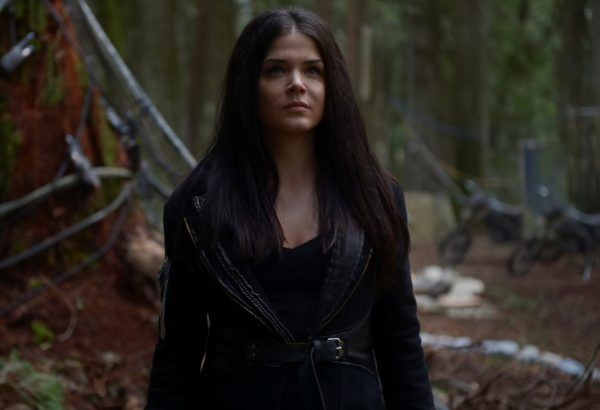 the-100-marie-avgeropoulos-07