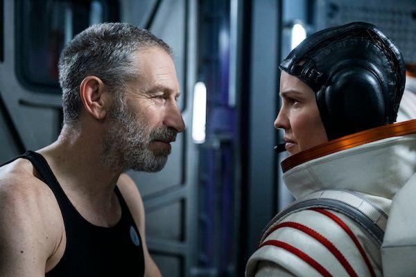 Away | Divulgado trailer de nova série sci-fi da Netflix estrelada ...