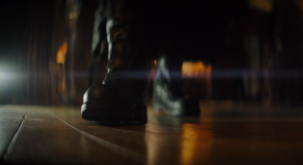 the-batman-batsuit-lightened-boots