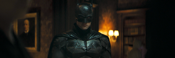 the-batman-bruce-wayne-batsuit-trailer-slice