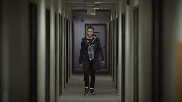 the-stranger-dane-dehaan-hallway