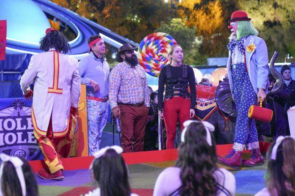 holey-moley-clown-course