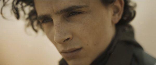 Čo nám prezradil skvelý trailer pre Dunu? Akého bojovníka hrá Jason Momoa a čo je v skrinke s bolesťou?