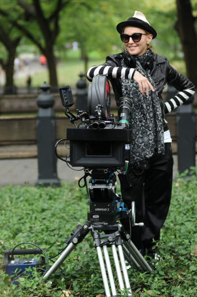 madonna-directing-own-biopic-universal-pictures