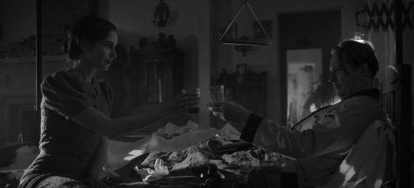 mank-lily-collins-gary-oldman-david-fincher-netflix-movie