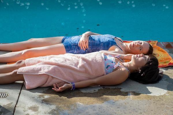 pen15-hulu-season-2-anna-maya-drying-out