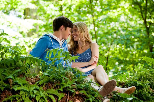 the-kings-of-summer-nick-robinson-erin-moriarty