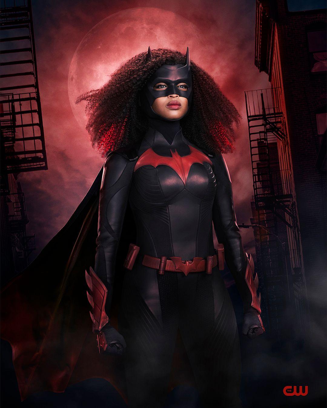 Batwoman Season 2 Images Reveal New Costume on Javicia ...