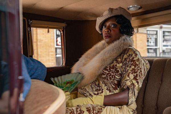 ma-raineys-black-bottom-viola-davis-netflix-car