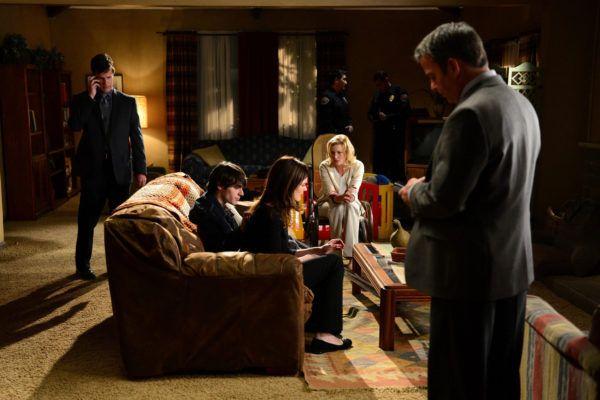 breaking-bad-season-5-episode-14-betsy-brandt-rj-mitte-anna-gunn