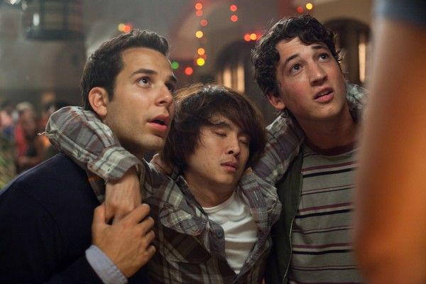 21-and-over-skylar-astin-miles-teller-justin-chon