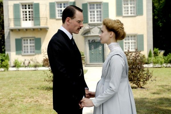 a-dangerous-method-movie-image-michael-fassbender-05